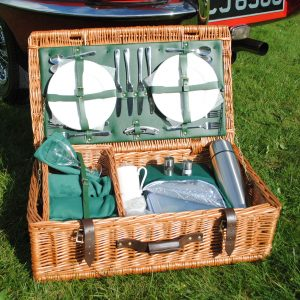 FarnhamPlus Fitted Picnic Hamper - 4 person